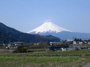110429tsuruyochanmtfuji_640